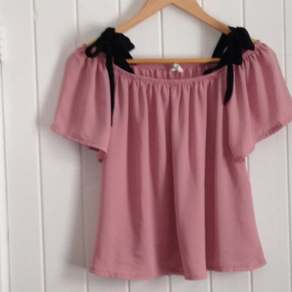 Bluenotes short sleeve blouse top, size M, pink